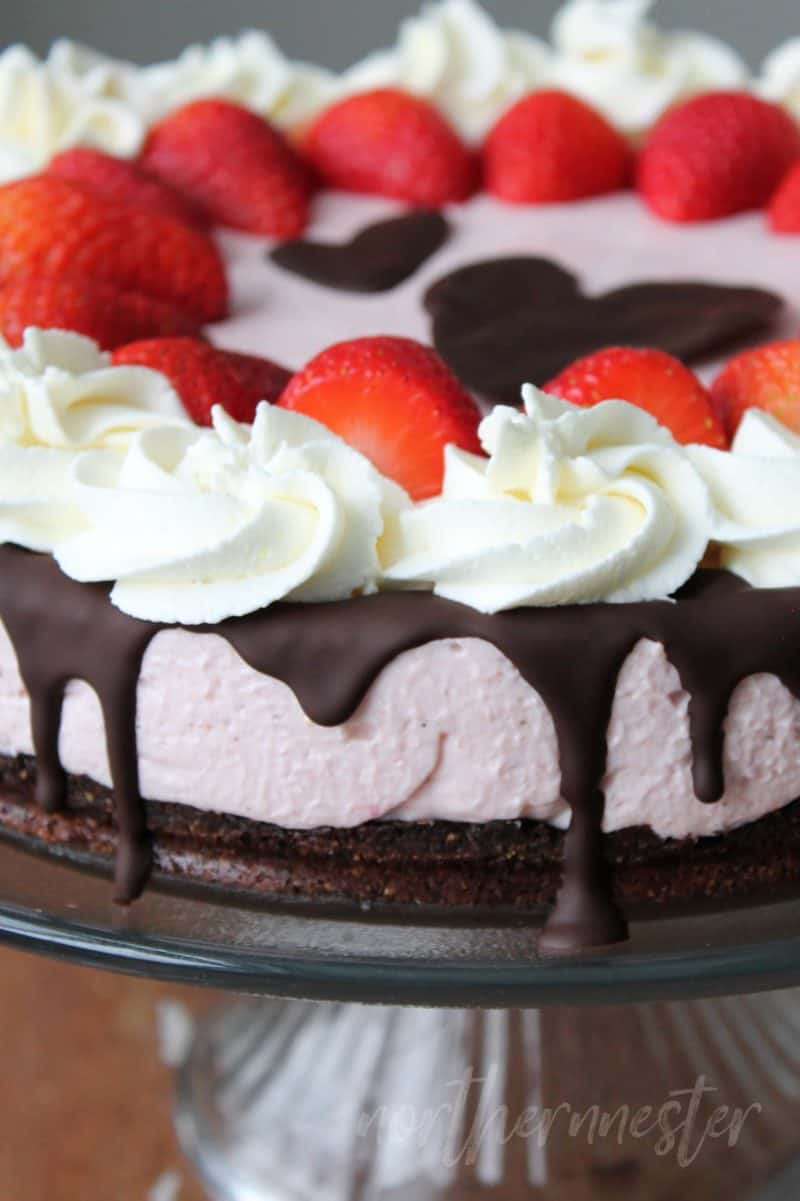 A low carb strawberry cheesecake with a chocolate crust
