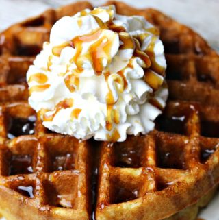 Want an easy keto waffles recipe that tastes fluffy on the inside and slightly crisp on the outside? These low carb almond flour waffles are DELICIOUS! Plus, they are prepared in less than 20 minutes. Perfect for brunch & kid-approved. #ketowaffles #ketorecipe #lowcarbrecipe #ketobreakfast #lowcarbbreakfast #waffles #grainfree #breakfast #keto #ketomeals #quickmeal