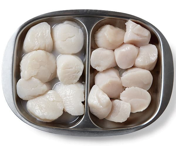 Wet & Dry Scallops in a side by side bowl