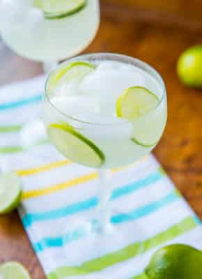 Low Carb and Alcohol Free Margarita Fizz in tall glass with lime