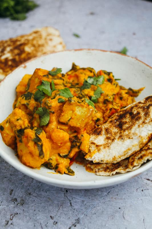 Low Carb Indian Food - Chicken and vegetables with korma curry sauce